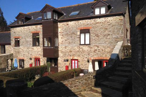 Millwheel Cottage, Colmer Estate