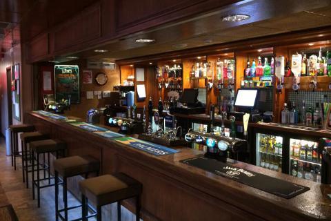 The Regal, Kingsbridge, bar