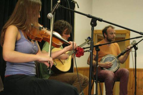 Jiginaboot Ceilidh Band