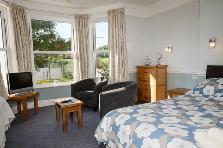 Ashleigh House kingsize bedroom