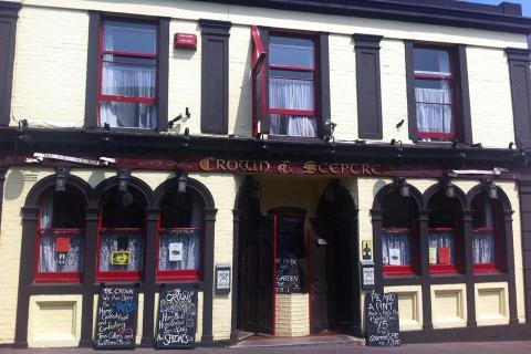 Crown & Sceptre, Torquay